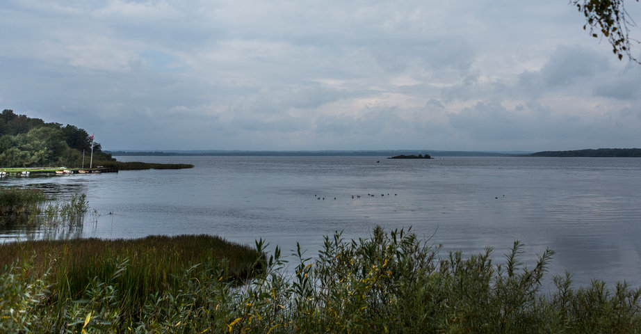 View of the lake Finjasjön on a gray cloudy day.